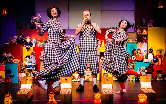 Performance at the Edinburgh International Children's Festival