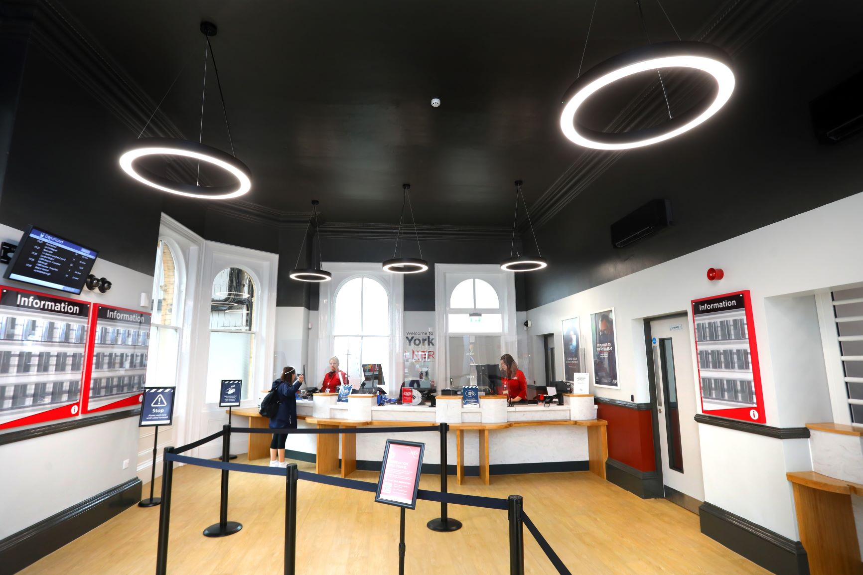 NEW TRAVEL CENTRE AT YORK STATION OPENS TO CUSTOMERS