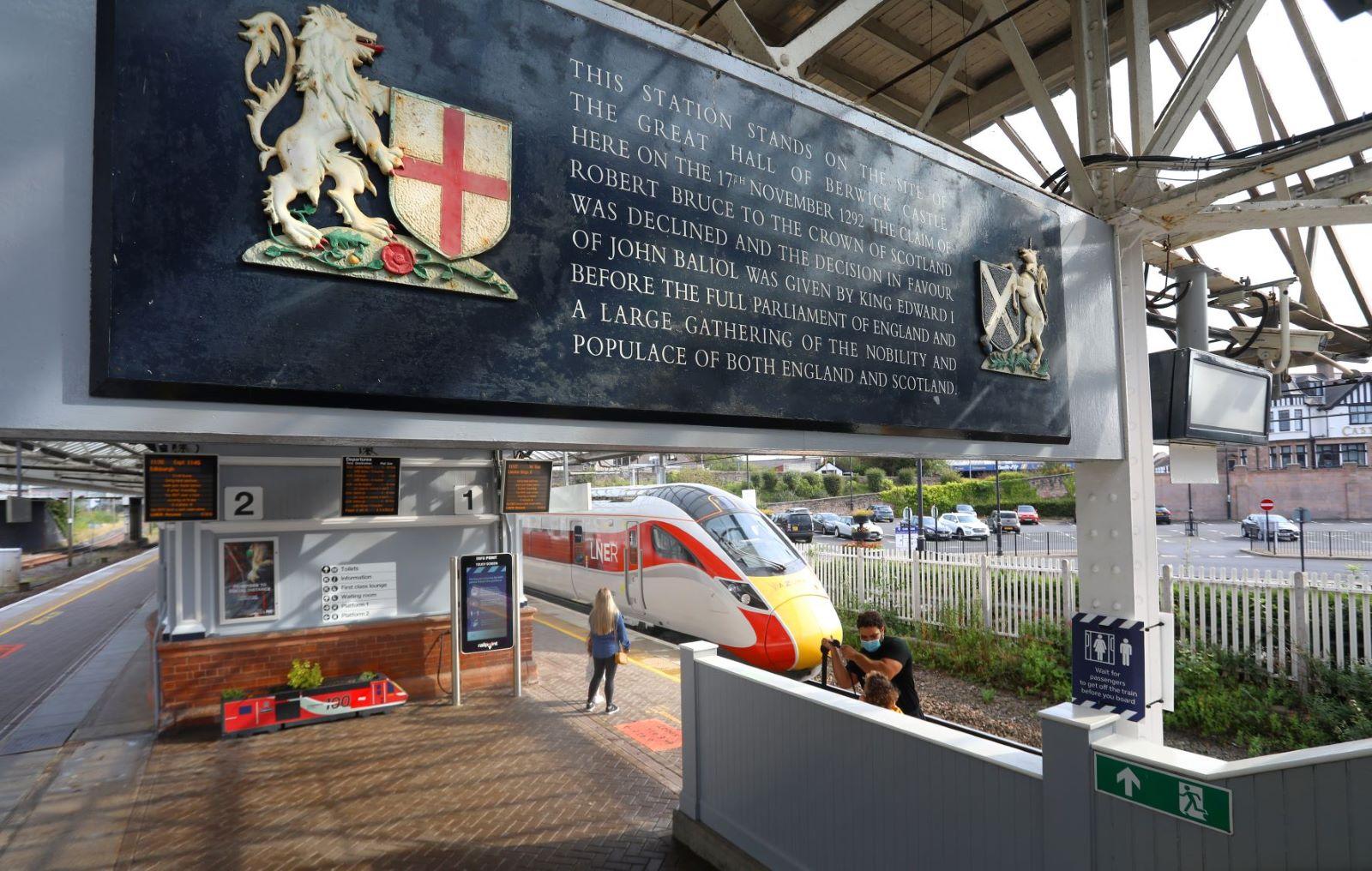 LNER Receives Railway Heritage Award For Berwick Station