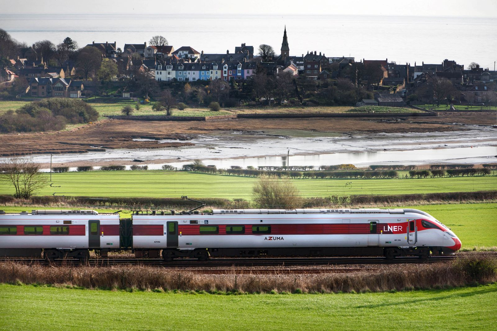 LNER Offers Advance Tickets For First Time On Almost 200 New Journey Combinations